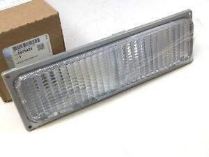 Chevrolet GMC C/K Series front right passenger Parking Lamp Housing Lens OEM