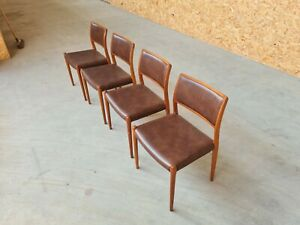 Moller 80 Danish Teak Dining Table and Chairs. Mid Century 1960s