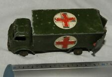(n°5) collection voiture ancienne DINKY TOYS England MILITARY AMBULANCE 626