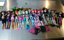 Monster High Doll Lot of 18 clothes shoes!!!