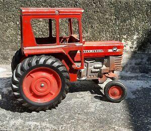 1970 ERTL 1/16 Massey Ferguson 1080 Diesel Toy Tractor