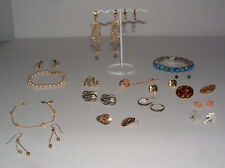 MIXED JEWELRY LOT 17 PCS.BRACELETS,EARRINGS,TIE CLIP, BROOCH-BEAUTIFUL PIECES-