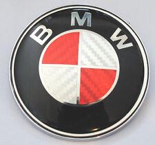 BMW 1 3 5 7 Z3 Z4 X3 X5 SERIE POSTERIORE BOOT BADGE ROSSO IN FIBRA DI CARBONIO Logo Emblem 74mm