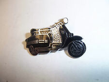 "Pin badge scooter ""lambretta scooter revers noir"" scooter badge-bg30f"