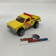 Rescue Lifeguard Truck * Hot Wheels 1:64 Scale Diorama Diecast Model * F1869