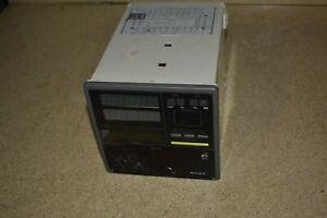 ^^ HONEYWELL DCP551 DCP5515GT00001E00 Digital Control Programmer