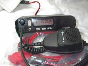 MOTOROLA M1225 VHF 150-174 MHZ  45 WATT 20 CHANNEL WITH  ACCESSORIES,USED MIC