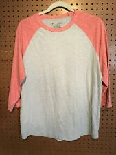 Under Armour Men's Sz Large, 3/4 Sleeve Heat Gear Fitted Shirt, Coral & Gray