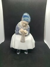 "Porcelain figurine ""Girl knitting"". Denmark, Royal Copenhagen #1314"