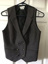 Van Heusen Vest Size S, Used in very good condition, Office Accessory