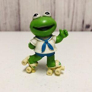 """Vintage 1986 Muppet Babies Kermit The Frog Roller Skating 2.5"""" PVC Figure Cake"""