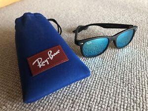 Ray Ban Juniors (kids) Sunglasses with Case Wayfarer Black Frame