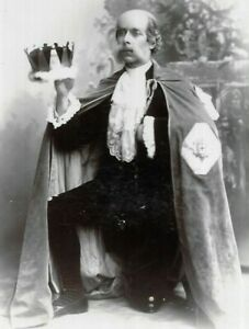 Cabinet Card Photo Actor King Costume Lewis Studio Maidstone Kent 1900s