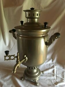 Samovar traditionnel à charbon