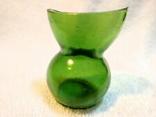 """INDIA(?) :GREEN POT-BELLY EYE WASH CUP MARKED """"FOREIGN """" ON BASE (MOLDED)"""