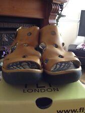 FLY LONDON FIDA Pistachio & Black Leather Sandals  - Size 6 / 39 Boxed -