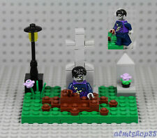 LEGO - Zombie Graveyard Scene - Halloween Haunted Skeleton Walking Dead Minifig