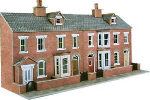 Metcalfe PO274 - Low Relief Red Brick Terraced House Fronts - 00 Gauge