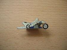 Pin SPILLA SUZUKI DRAGSTER MOTO con autista pin 0385 MOTORBIKE
