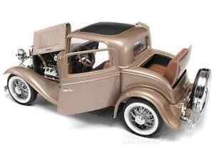 1932 FORD 3-WINDOW CUSTOM   METALLIC PEARL DUSK NEW IN BOX