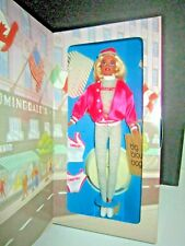 """1996 Mattel Barbie Doll, """"Barbie At Bloomingdale's"""" Special Edition, Shopping"""