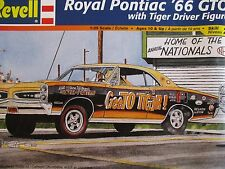 ROYAL PONTAC '66 GTO W/ RESIN FIGURE REVELL 85-4167 1966 GOAT  1:25 DRAG KIT