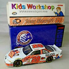 Tony Stewart #20 Home Depot 2000 Pontiac Grand Prix NASCAR Racer 1:24 Scale M/B