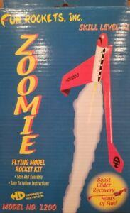 FUN ROCKETS INC. ZOOMIE FLYING MODEL ROCKET KIT