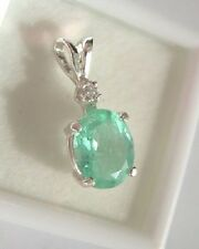 A Natural 1.38ct Colombian Emerald Necklace with a Diamond