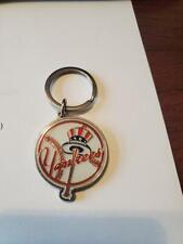 LOT OF 5 MLB BASEBALL NEW YORK YANKEES METAL KEY CHAINS (HAT & BAT VERSION)