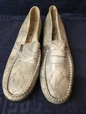 Betty Barclay Silver Ladies Shoes Size 7. Moccasins, Driving Shoes,