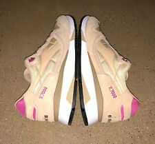 Diadora V7000 NYL II Sand Bright Rose Size 9.5 US Running Walking Shoes Sneakers