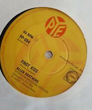 "RARE 50s ALLEN BROTHERS ""FIRST KISS"" AUSTRALIAN PYE RELEASE  45RPM"