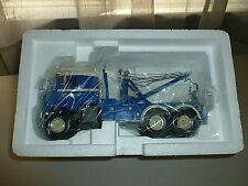 FIRST GEAR 1953 KENWORTH BULL-NOSE TOW TRUCK FIRST GEAR#19-0022 1/34 SCALE