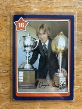 1982-83 Neilson's Gretzky #16 Sharp Turning