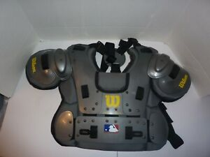 """Wilson West Vest Platinum Umpire Chest Protector in Very Good Condition 10.75"""""""