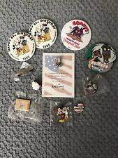 New ListingLot Of Disneyana Buttons And Pins - Disney