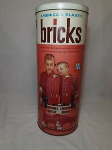 Vintage AMERICAN PLASTIC BRICKS by Elgo  Set #745 (585 pieces)