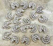 20 Pewter  APPLE PIE Charms - 5247