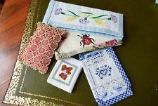 5 pochettes à aiguilles brodées à la main