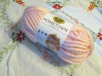 NEW LION BRAND HOMETOWN Providence Pink Super Bulky Yarn Acrylic USA 142 g