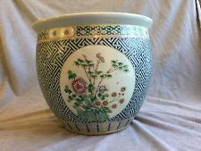 A Large Chinese Famille Rose Porcelain Jardiniere From Christie's 清朝粉彩大画缸 佳士得