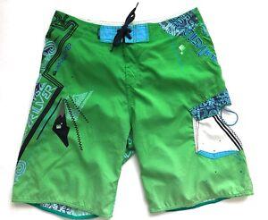 QUIKSILVER shorts swim trunks mens Size 34 Green Psisley