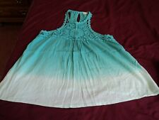 Hollister ~Green Lace Tank Top ~ Size Small ~ Lace Straps ~ Keyhole back