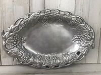 "1990 ARTHUR COURT Tuscan Oval Grape Leaves Vine Tray Platter 13"" x 9"""