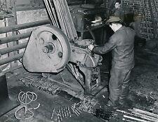 Usine c. 1950 - Ouvriers Industrie Fraiseuse Usinage USA - GF 346