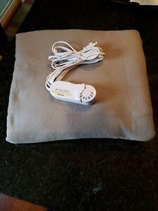 Biddeford Comfort Knit Fleece Electric Heated Warming Throw Blanket Tan White
