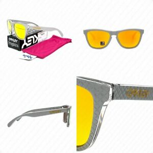 Authentic Oakley Frogskins OO9013-C155 Silver w/Fire Iridium Lenses Sunglasses
