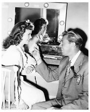 SHIRLEY TEMPLE gets make-up from DON OTIS for I'LL BE SEEING YOU - (d753)