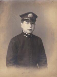 OLD VINTAGE PHOTO ASIA JAPAN JAPANESE MAN UNIFORM MILITARY NAVY CAP BADGE BX1